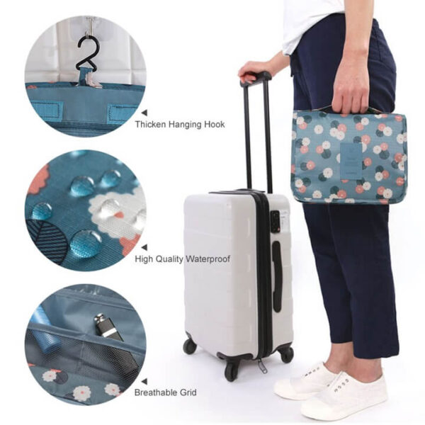 hanging travel organizer with pockets